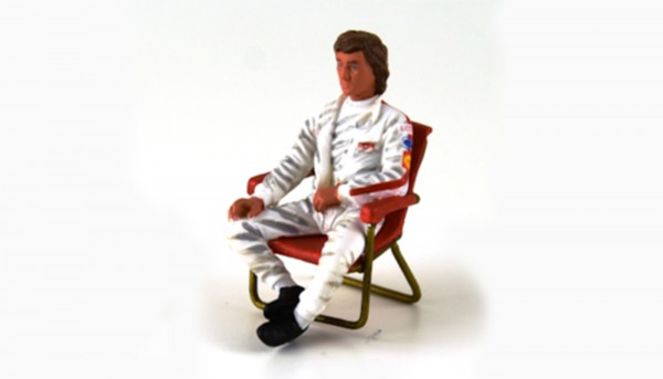 Modellfigur 1:32 LE MANS MINIATURES Rennfahrer Jochen m.Klappstuhl High Detail Resin Collectors Edition