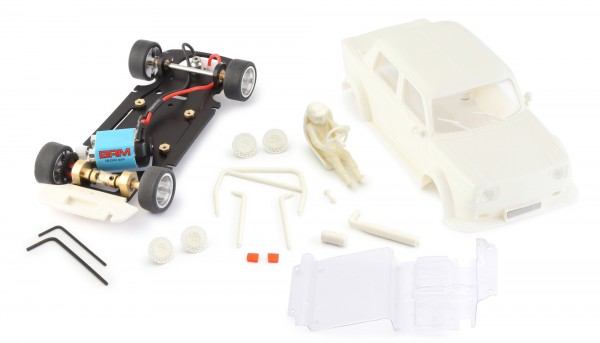 Slotcar 1:24 analog Bausatz BRM Simca White Kit Typ B m.eckigen Scheinwerfern