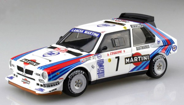 Standmodellbausatz 1:24 Lancia Delta S4 Rallye Monte Carlo 1986 No. 7