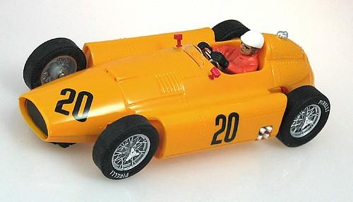 Slotcar 1:32 analog CARTRIX D50 No. 20 Grand Prix Legends Edition