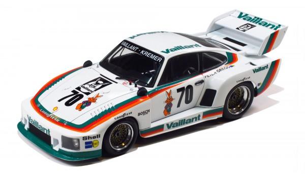 Standmodellbausatz 1:24 BEEMAX Porsche 935 K2 DRM 1977 No. 51 & No. 70