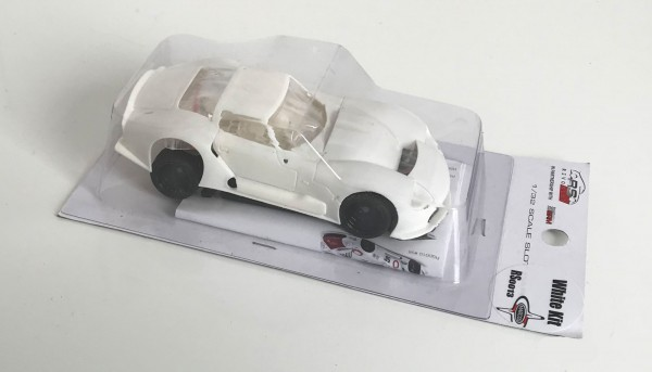 Slotcar 1:32 analog Bausatz REVOSLOT LM600 White Kit