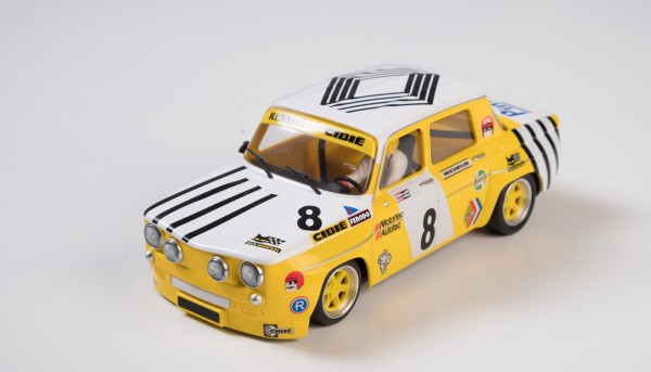 Slotcar 1:24 analog R8 No. 8