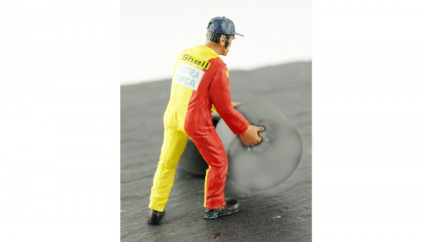Modellfigur 1:32 LE MANS MINIATURES Mechaniker Francis f.Reifenwechsel High Detail Resin Collectors Edition