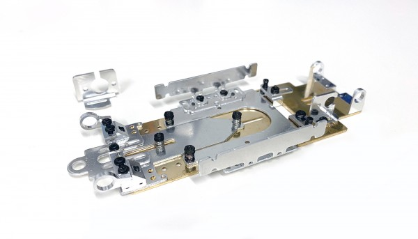 Fahrwerk Super24 Sport Long Wheelbase m.Messing-Grundplatte 116,5x1,5mm f.13D u.18D Motoren