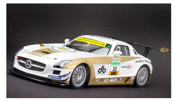 Slotcar 1:24 analog SCALEAUTO SLS GT3 ADAC Master 2011 No. 32