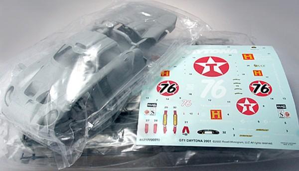 Standmodellbausatz 1:24 P911 GT1 Evo Daytona 2001 No. 76