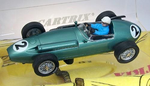 Slotcar 1:32 analog CARTRIX DBR4 No. 2 Grand Prix Legends Edition