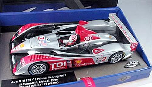 Slotcar 1:32 analog LE MANS MINIATURES R10 Le Mans 2007 No. 2 High Detail Resin Collectors Edition