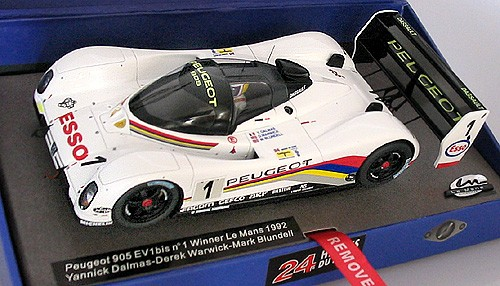 Fahrzeug Peugeot 905 EV1 Le Mans 1992 No. 1 Resin-Collectors-Edition