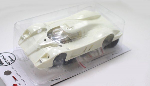 Slotcar 1:32 Bausatz analog REVOSLOT GT-One White Kit