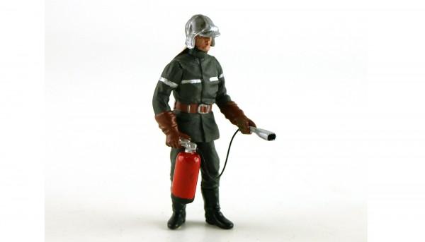 Modellfigur 1:32 LE MANS MINIATURES Feuerwehrmann Jean-Luc m.Feuerlöscher High Detail Resin Collectors Edition