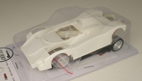 Slotcar 1:32 analog Bausatz REVOSLOT 333SP White Kit Typ A m.langen Scheinwerfern