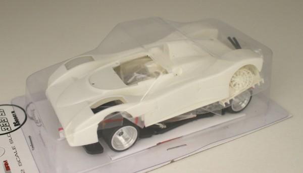 Slotcar 1:32 Bausatz analog REVOSLOT 333SP White Kit Typ B m.kurzen Scheinwerfern