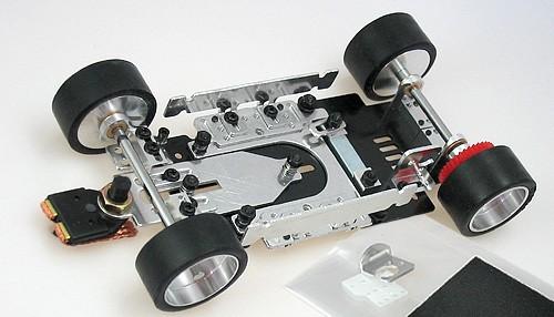 Komplettfahrwerk PLAFIT Super24 m.Traction Magnet f.13D u.18D Motoren
